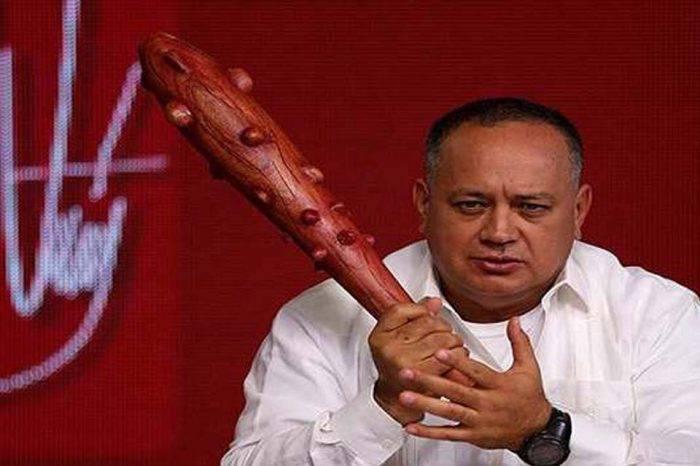 Diosdado ataca nuevamente a Teodoro Petkoff