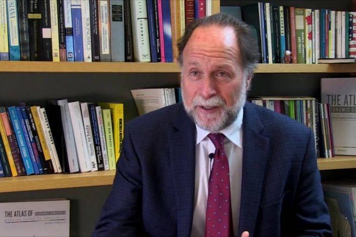 Ricardo Hausmann: Si la economía se queda como está nos morimos