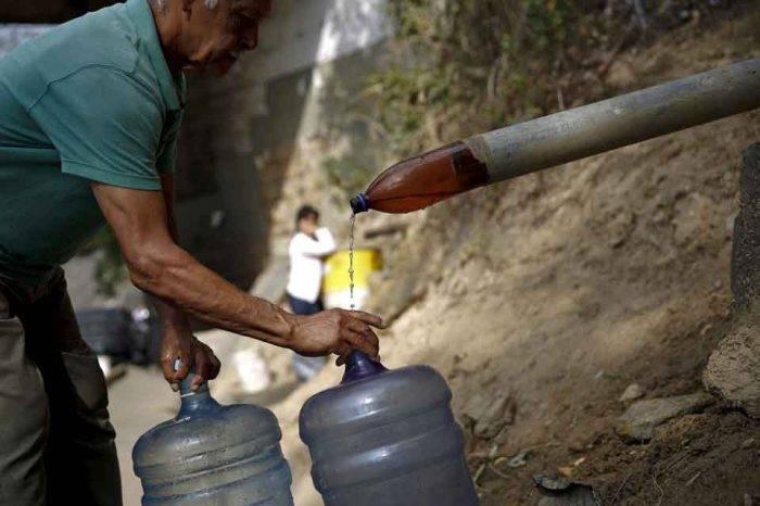 Escasez de agua en Caracas se agudiza por déficit de 40% en el suministro