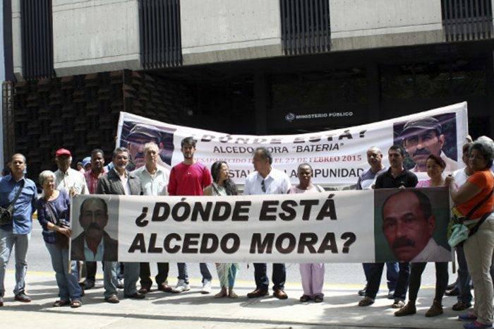 Familiares exigen al gobierno informar paradero de hermanos Vergel y Alcedo Mora