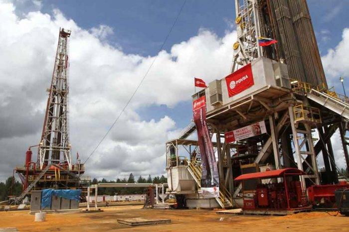 Producción petrolera venezolana cayó 650.000 barriles diarios desde octubre 2017