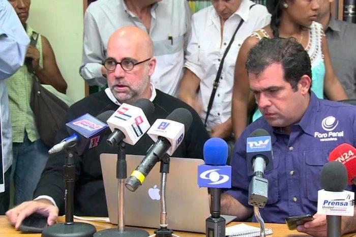 Foro Penal asegura que cuatro menores de edad permanecen en El Helicoide