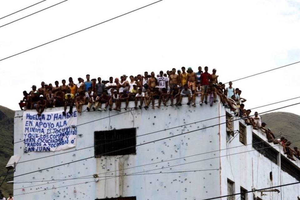 Reportan motín en cárcel de Portuguesa tras ataque de presos ...