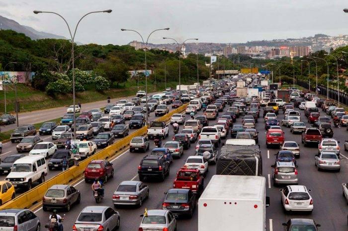 Nicolás Maduro cambia nombre a Autopista Francisco Fajardo, será Cacique Guaicaipuro