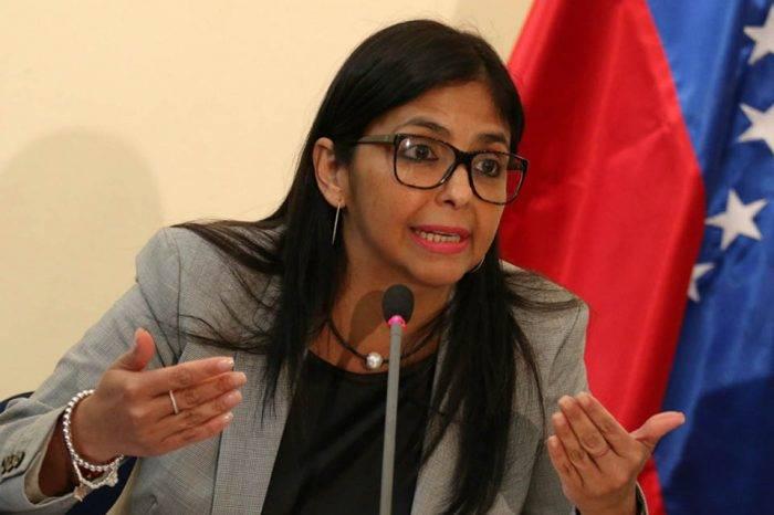 Delcy Rodríguez acusa a EEUU de violar el derecho internacional por sanciones de Pence