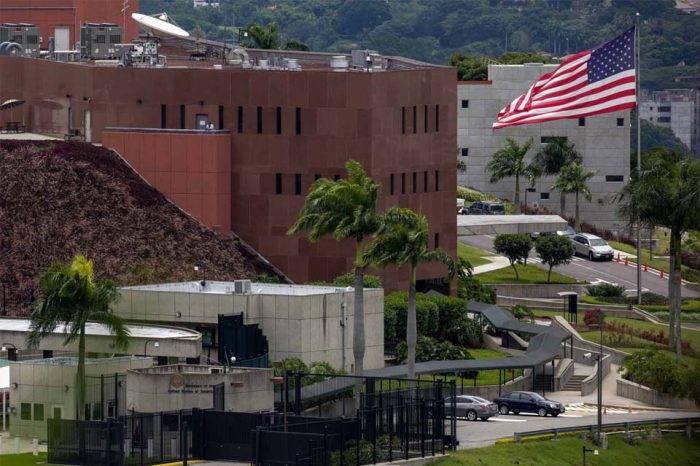 EEUU aclara que Maduro debe usar canales regulares para pedir apoyo del FBI