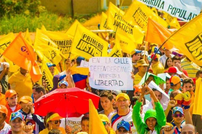 VP, PJ y AD sobre decreto de la ANC: Maduro busca diseñar una oposición a su conveniencia