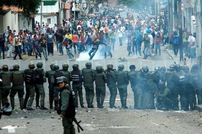 Provea: 210 personas han perdido la vida en manifestaciones contra gobierno de Maduro