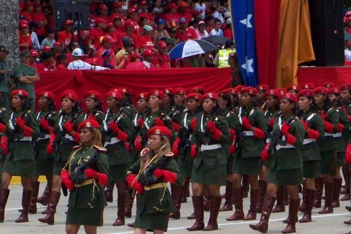 Clíver Alcalá afirma que Maduro está desintegrando a la Fuerza Armada