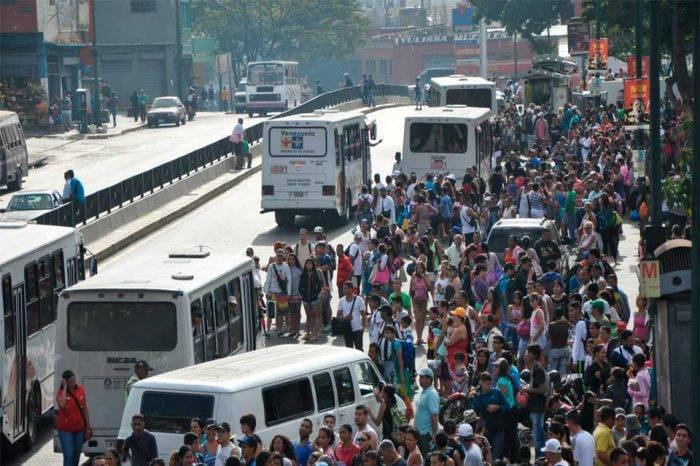 Periodista de Vargas es investigado por informar sobre alza del transporte público