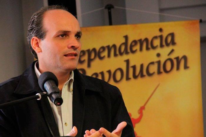 Menéndez anuncia que adelantarán censo de población y vivienda para 2019