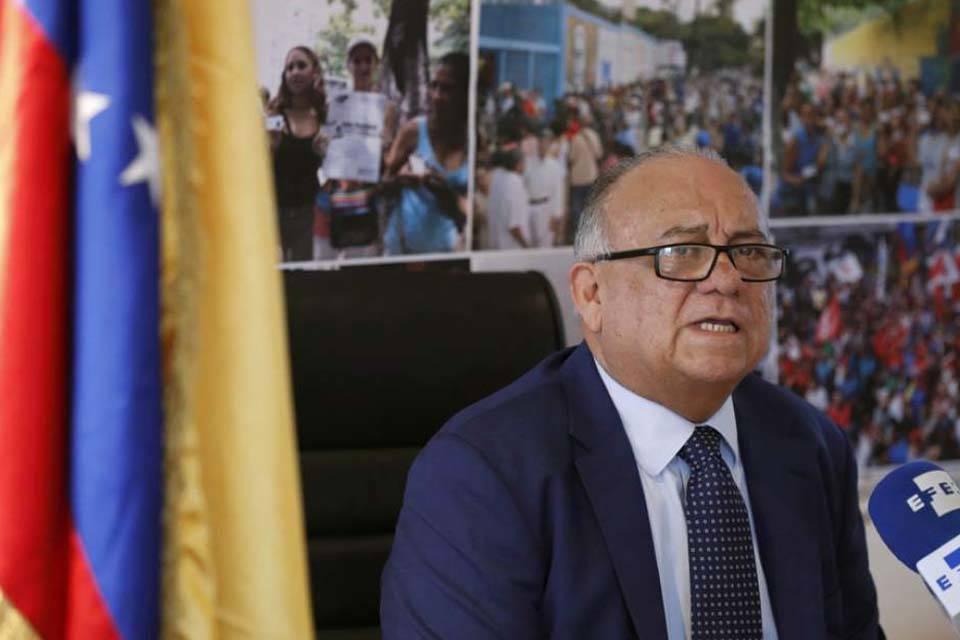 Embajador venezolano Mario Isea