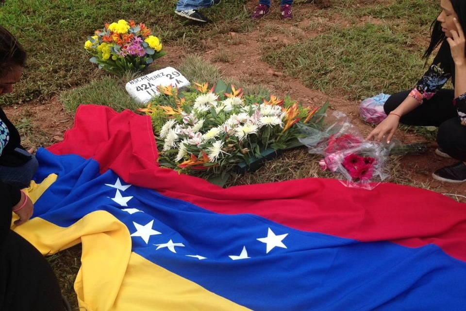 Tumba exCicpc Óscar Pérez Cementerio del Este 21 enero