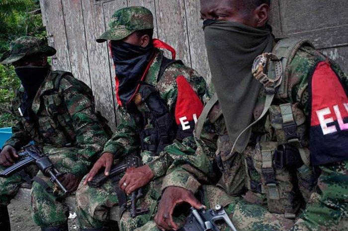 """Ejército colombiano asegura que ELN está """"utilizando"""" venezolanos en atentados"""