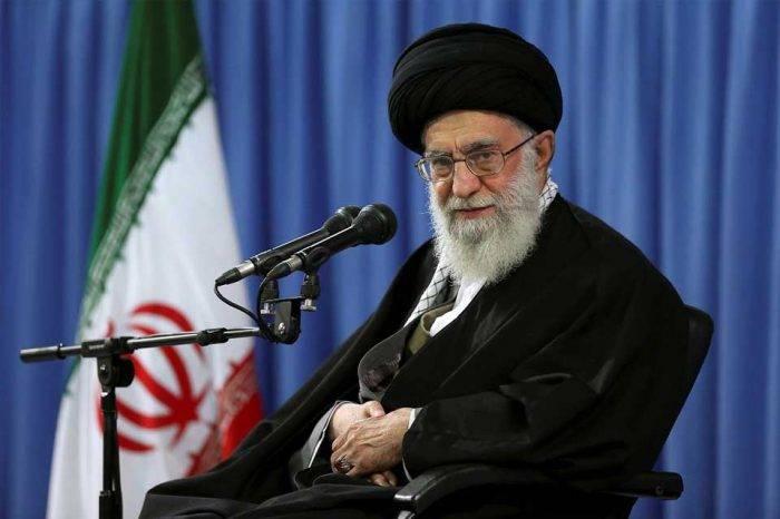 Jamenei asegura que protestas en Irán están dirigidas desde el extranjero