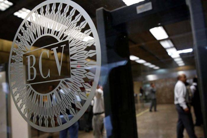 Bancos informan que aún hay dificultades para hacer transferencias bancarias