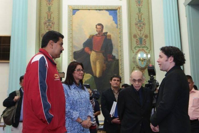 Gustavo Dudamel Nicolás Maduro