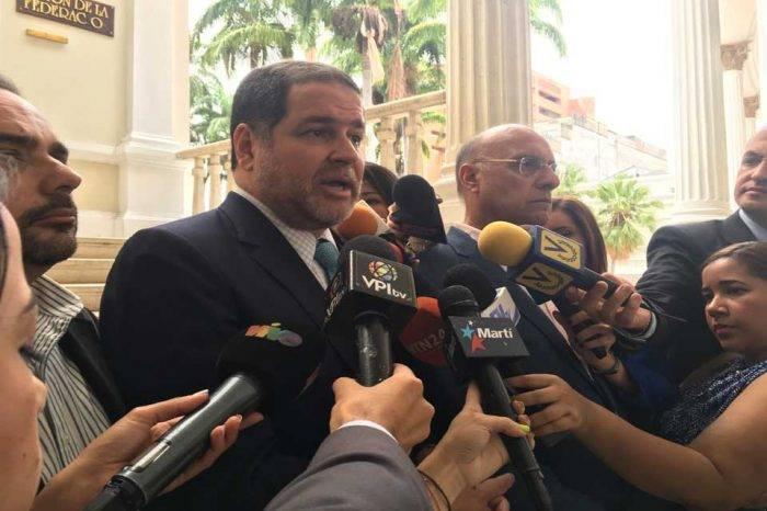 """Florido asegura que Venezuela se ha transformado en """"campo de guerra"""""""