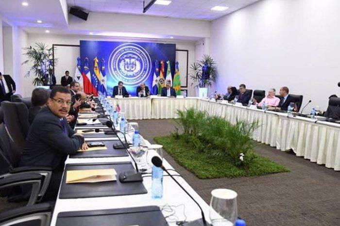 Mesa de negociación entre el gobierno y oposicion