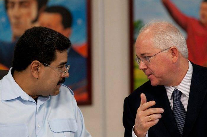 Ramírez: El alza de la gasolina a precio internacional es una medida neoliberal