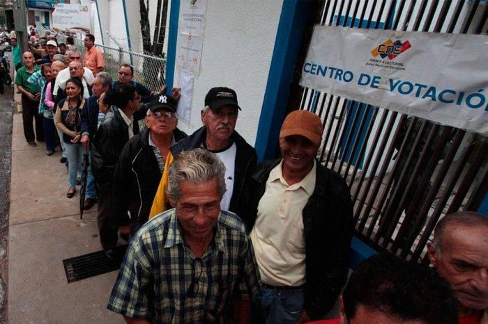 Votar para derrotar la miseria, por Oscar Tenreiro
