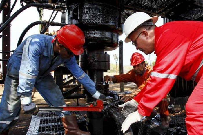 Gobierno reconoce que no ha podido recuperar la producción petrolera