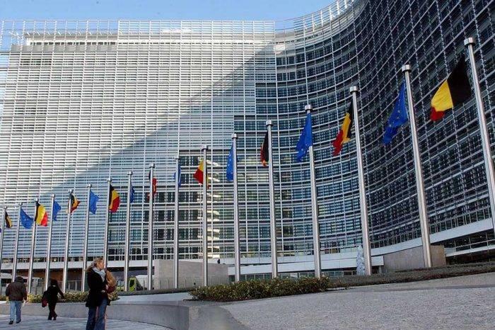 Unión Europea da una semana a Maduro para que convoque a elecciones
