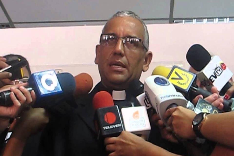 Víctor Hugo Basabe obispo de San Felipe