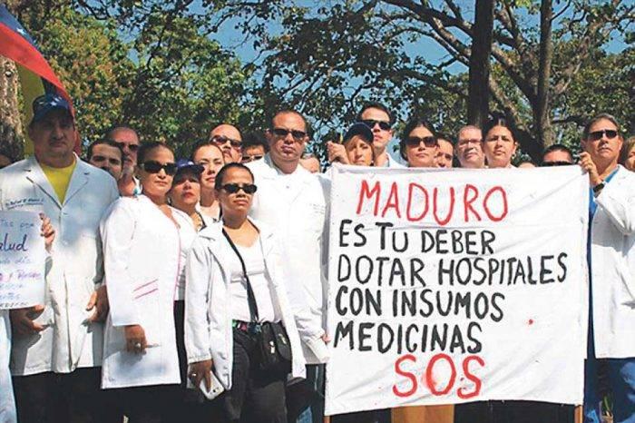 Los médicos venezolanos se debaten entre salvar vidas o salvarse ellos