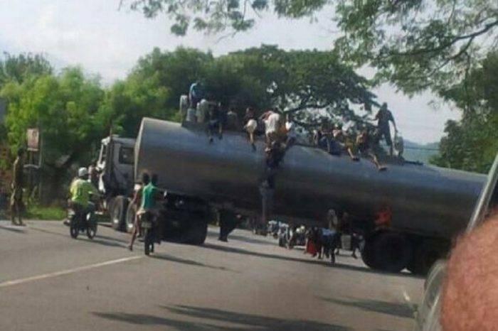 Cuatro muertos y diez heridos por protestas y saqueos en Mérida