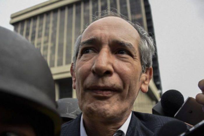 Detienen a expresidente de Guatemala investigado por hechos de corrupción