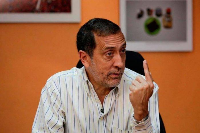 José Guerra asegura que se debe rescatar la industria petrolera cuanto antes