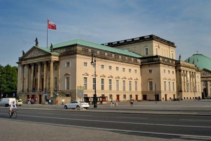 Un edificio en Berlín, por Jorge A. Rodríguez Moreno