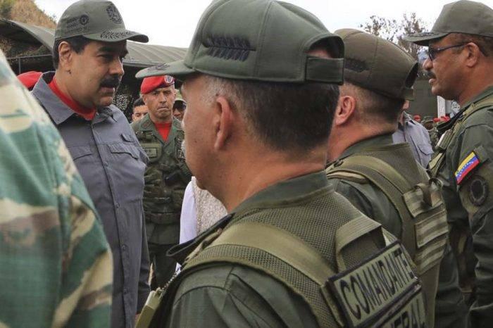 Venezuela: Entre la política y la épica, por Fernando Mires