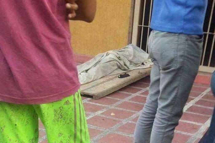 Dejan cadáver en alcaldía de Turén al no recibir ayuda para urna y entierro