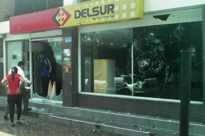 Destrozos Banco del Sur Tucupita Delta Amacuro febrero 2018