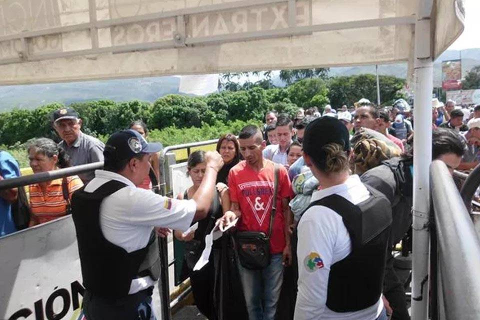 Tarjeta de movilidad fronteriza venezolanos Colombia