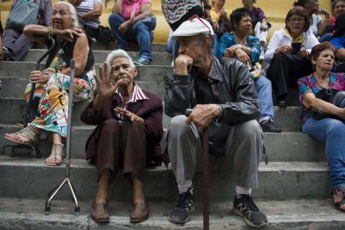 Ancianos sin atención