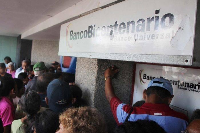 Murió hombre que tenía dos días haciendo fila para cobrar pensión en Barinas