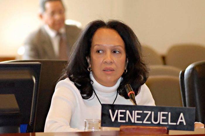 Venezuela en la OEA culpó a EEUU por exclusión de Maduro de Cumbre de las Américas