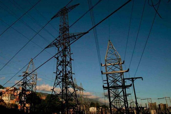 Varios sectores de Caracas sin luz por avería en el circuito Palo Verde