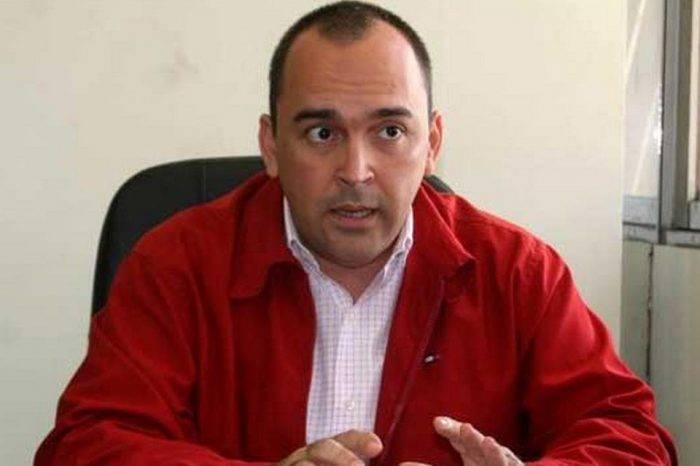 Diputados chavistas piden debatir en la AN supuestos vínculos de Guaidó con paramilitares
