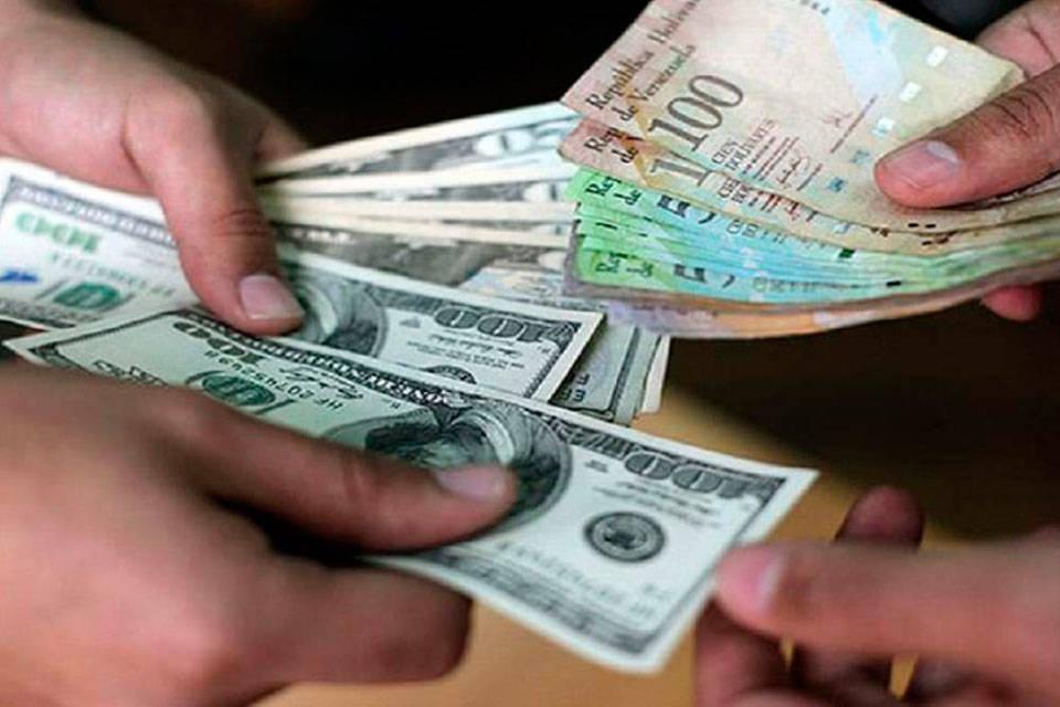 Hiperinflación venezolana billetes dólar