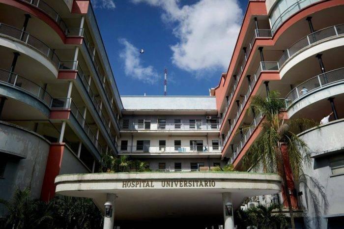 Renuncia médico del Universitario por profunda crisis en la institución