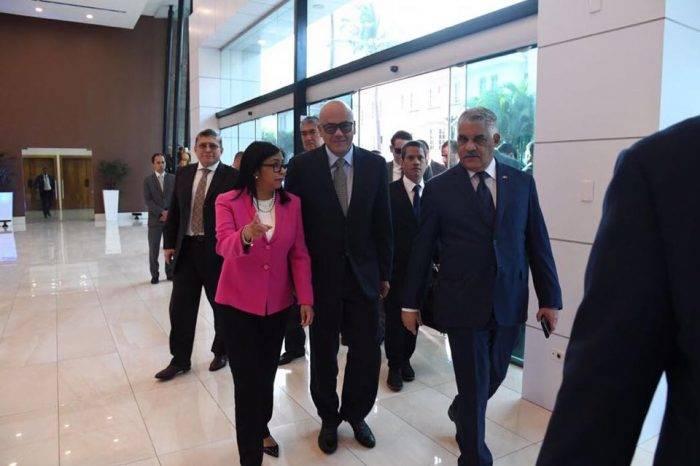 """Rodríguez asegura que """"todo está listo"""" para firmar el acuerdo con la oposición"""
