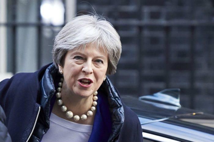 """Con el grito de """"voto igualitario"""" centenario, Reino Unido recuerda a mujeres sufragistas"""