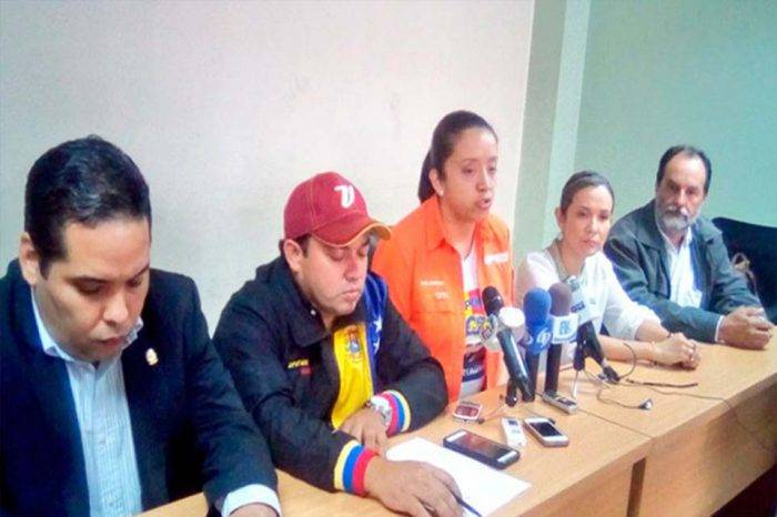 Diputados del Táchira avalan medidas de Santos para combatir las mafias