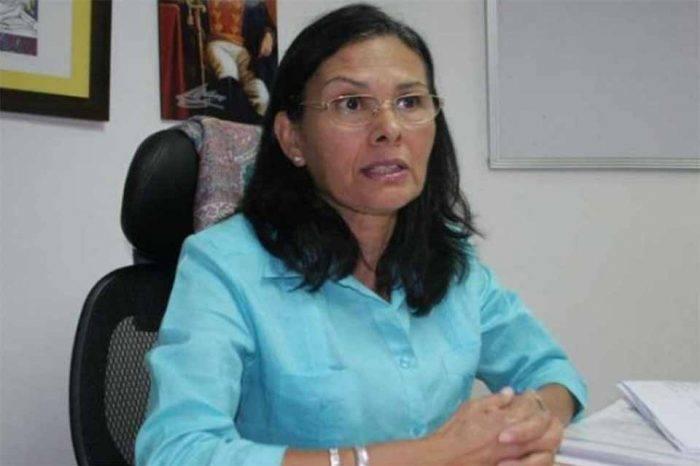 Socorro Hernández dice que adelanto de elecciones obedece a bloqueo contra el país