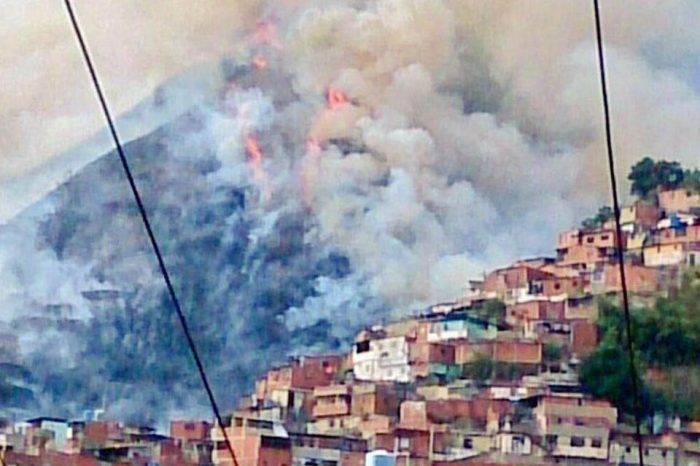 Reportan incendio en El Ávila a la altura del Lídice