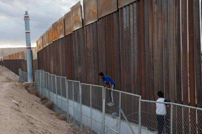 """EEUU reforzará 160 km de la frontera con México con """"nuevas características"""""""